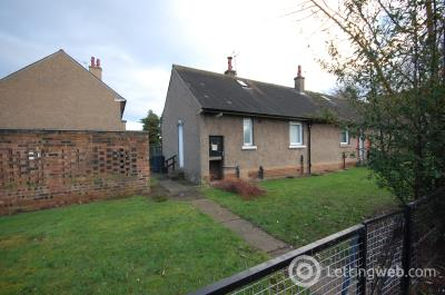 Property to rent in 5 Balmullo Sq