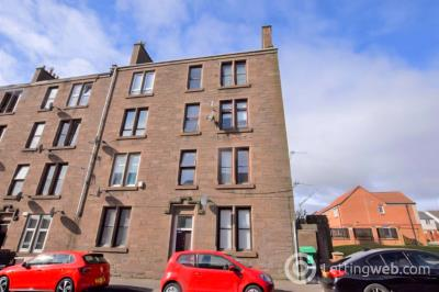 Property to rent in 4 Graham Street Dundee DD4 9AD