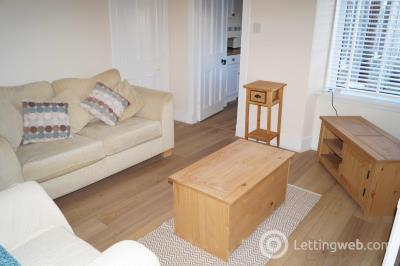 Property to rent in Hilton Road
