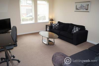 Property to rent in Bllomfield Court