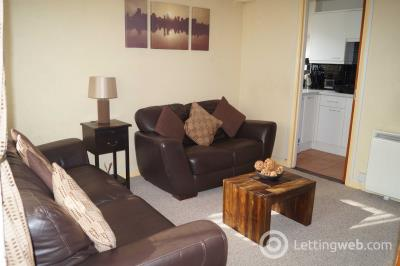 Property to rent in Lee Crescent North