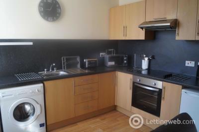 Property to rent in Marischal Street