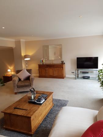 Property image 4 for - 48 Craiglockhart Dell Road, EH14
