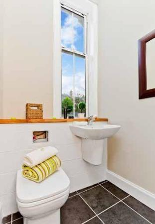 Property image 4 for - COMISTON ROAD, EH10