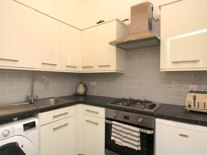 Property image 5 for - Rossie Place, EH7