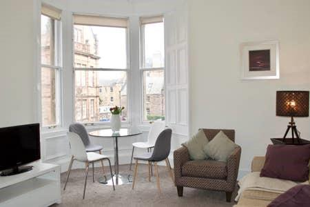 Property image 2 for - Bruntsfield Avenue, EH10