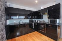 Property to rent in Clyde Street