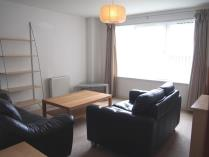 Property to rent in Dumbarton Road