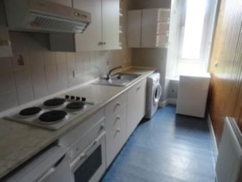 Property to rent in 174 3/2 Lochee Road
