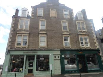 Property to rent in 304A 2/1 Perth Road