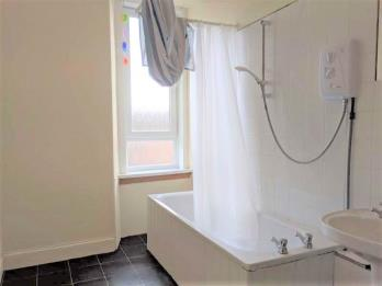 Property to rent in 23C Step Row, Dundee