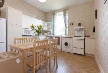 Property to rent in 17C Belmont Road, Aberdeen, AB25 3SR