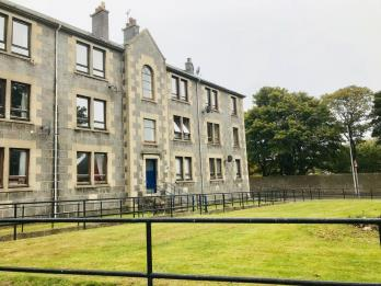 Property to rent in Roslin Street