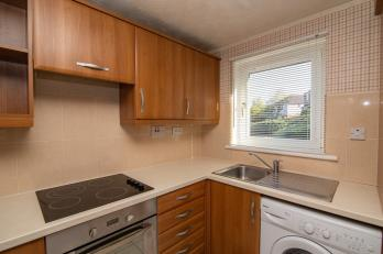 Property to rent in Beaufort Crescent, Kirkcaldy