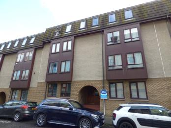 Property to rent in 39/2 Lochrin Place, Edinburgh, EH3