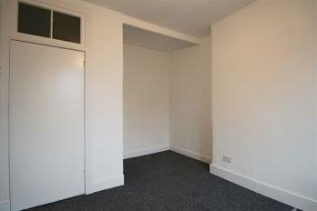 Property to rent in 1/2 40 James Street, Helensburgh, G84