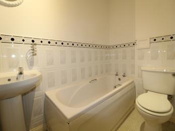 Property to rent in St Andrews Drive, Coatbridge, North Lanarkshire, ML5 1AB
