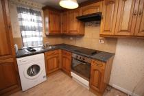 Property to rent in Kinloch Street