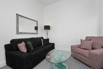 Property to rent in Meadowside, City Centre, Dundee, DD1 1EF