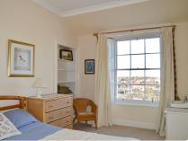 Property to rent in Claremont Crescent