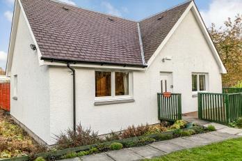 Property to rent in Broallan
