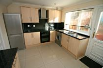 Property to rent in Carbarns West