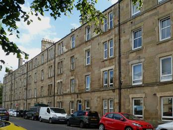 Property to rent in 53 (3f3) Albert Street