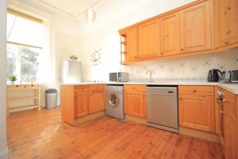 Property to rent in Buckingham Terrace
