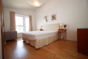 Property to rent in Holyrood Road
