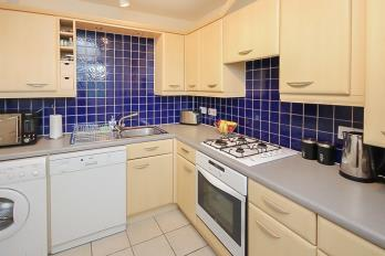 Property to rent in Burnvale, Livingston, EH54 6DH