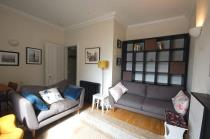 Property to rent in 18/6 St Stephen Place