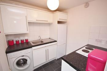 Property to rent in Clyde Court, Littleholm Place, Clydebank - Available NOW!!