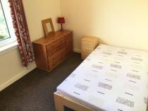 Property to rent in HILTON DRIVE
