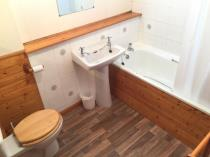 Property to rent in COLLIESTON PATH