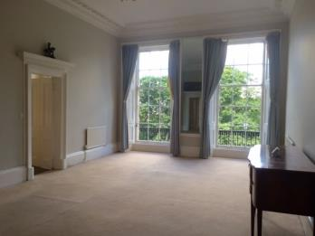 Property to rent in 1F 13 Royal Terrace, Edinburgh EH7 5AB