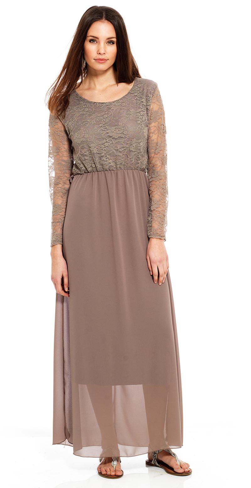 lang kjole med blondeærmer