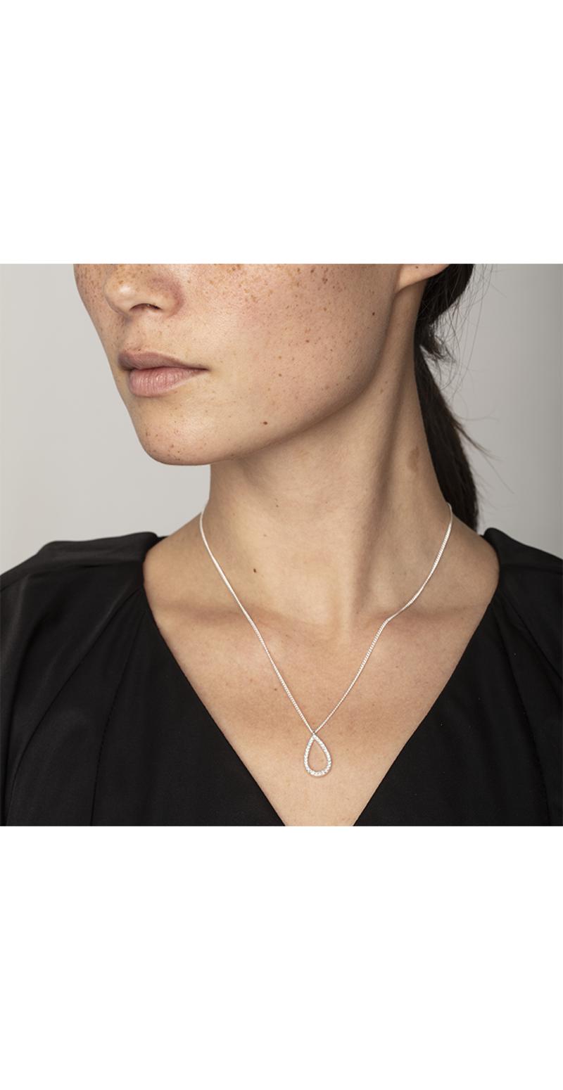 Delia neck silver model