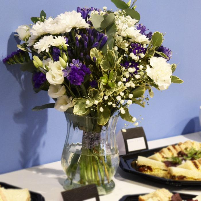 Florist-corporate-flowers_table-vase.jpg