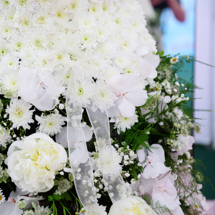 Florist-corporate-flowers_wedding-dress.jpg