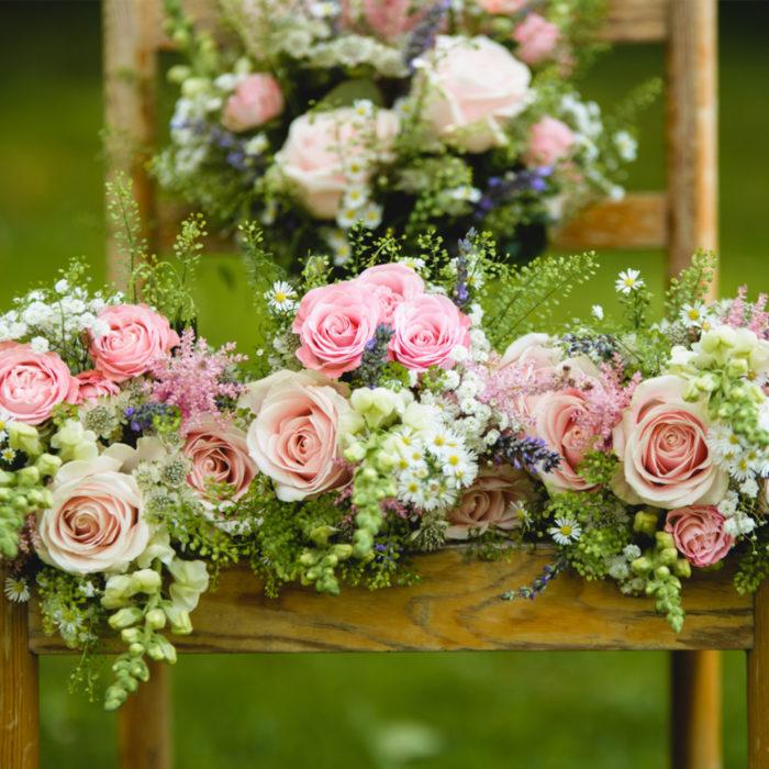 TN-wedding-bouquets-on-chair.jpg