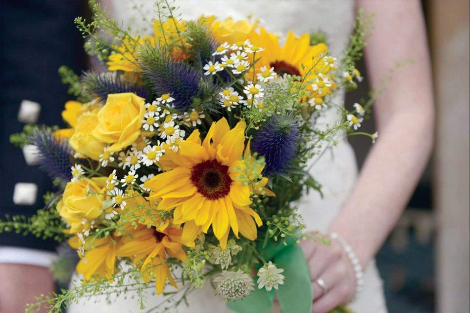 Bridal Bouquet Yellow Web