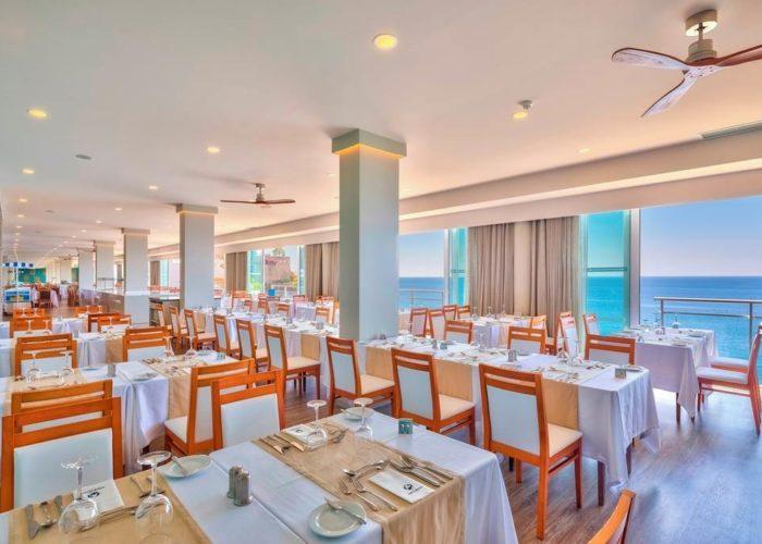 Fnc 68588 Hotel Orca Praia 0419 05 Restaurant