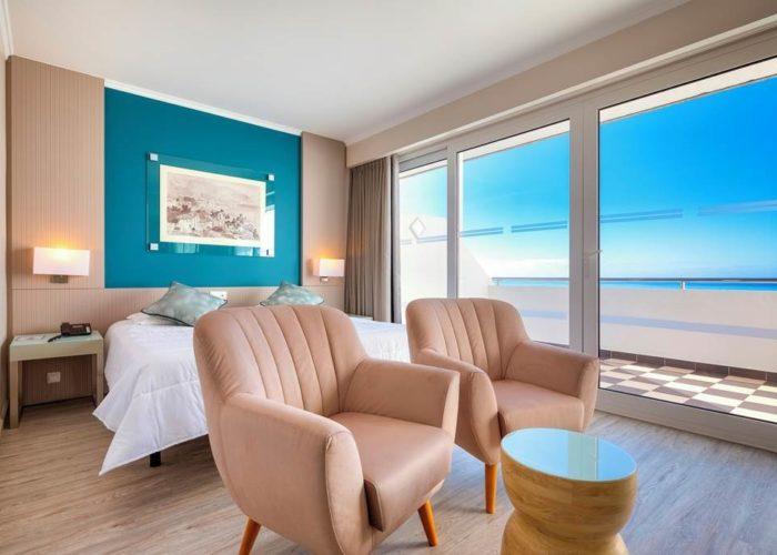 Fnc 68588 Hotel Orca Praia 0419 07 Sv Room