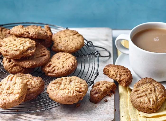 5-ingredient-peanut-butter-ande-chocolate-cookies-WEB-FB.PNG