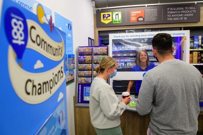 Customers-at-till-3.jpg