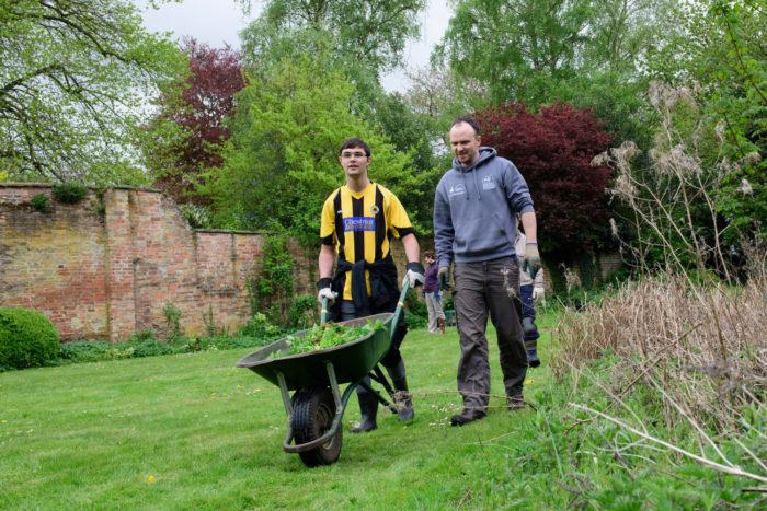 Helping-in-the-garden-42.jpg