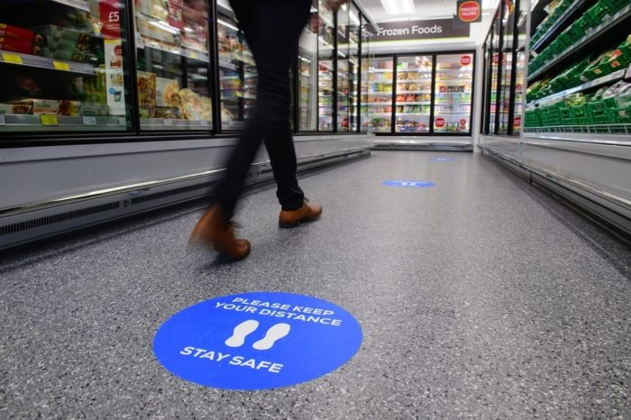 Social-distancing-in-store-2.jpg