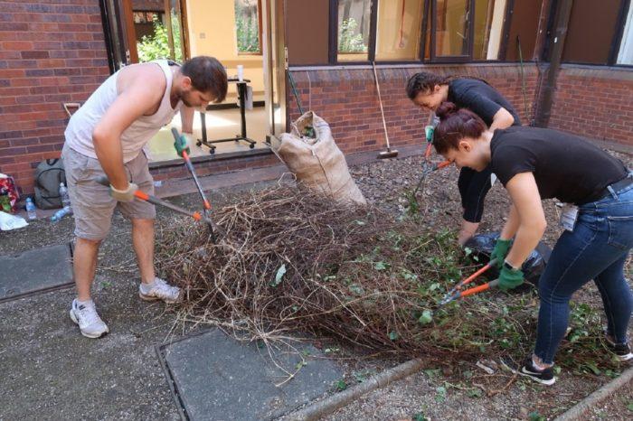 Staff-cutting-twigs.JPG