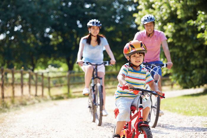 iStock_000041176118-family-bikes.jpg
