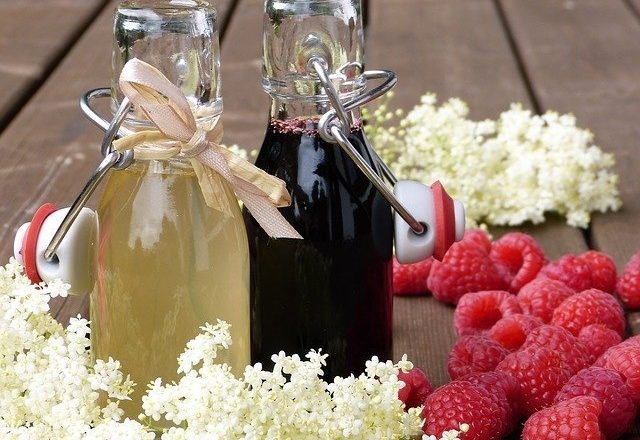 Homemade raspberry syrup